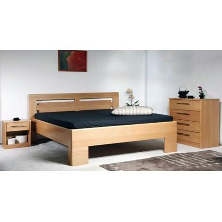Masivní postel s úložným prostorem Varezza 3