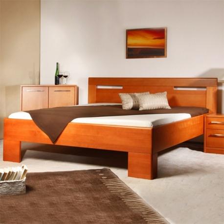 Masivní postel s úložným prostorem Varezza 5
